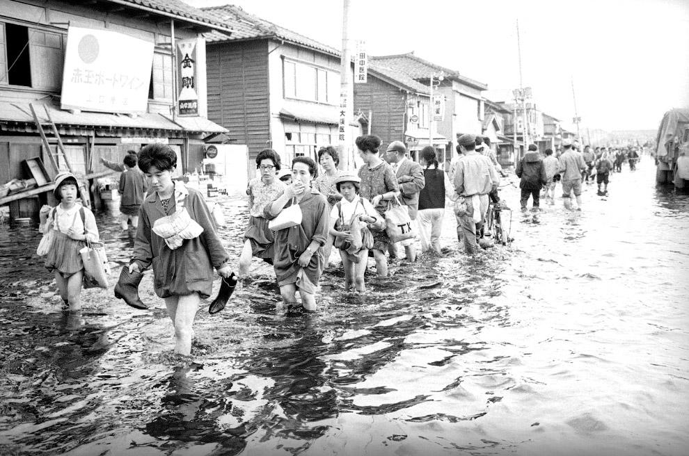Жертвы  7.6-бального землетрясения в Ниигата, Япония
