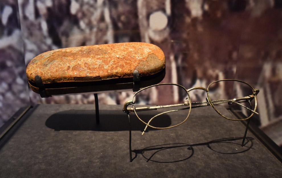 Очки, найденные на обломках Всемирного торгового центра
