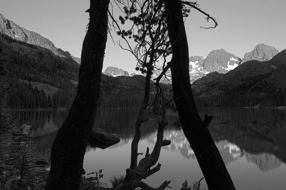 Озеро Шедоу и горы