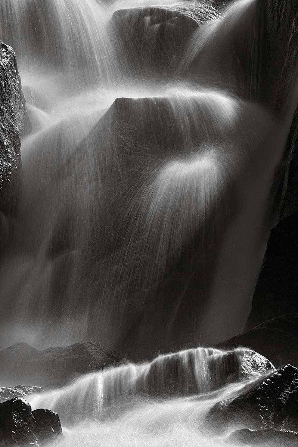 Водопад у озера Мари