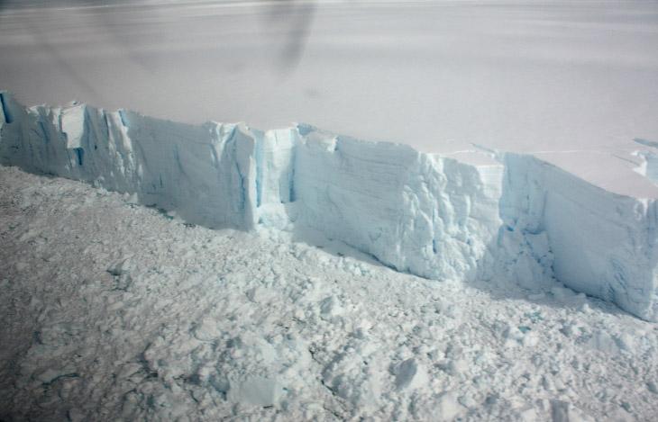 20-метровый по высоте край шельфового ледника Уилкинса