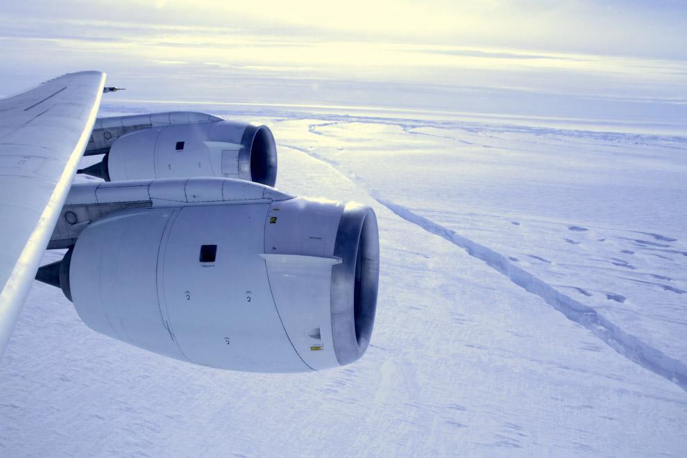 Трещина в леднике Пайн Айленд