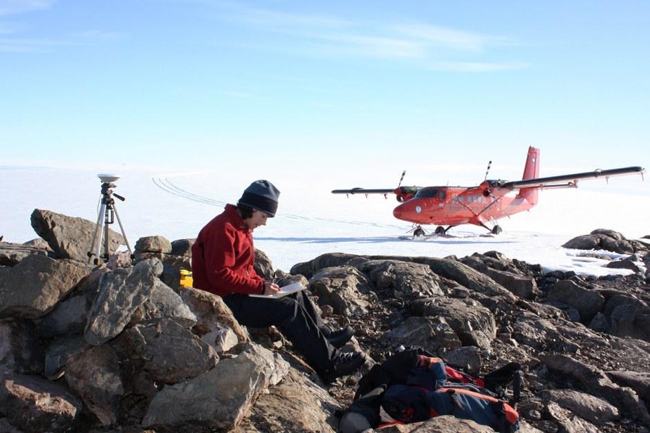 Ученые в Антарктиде