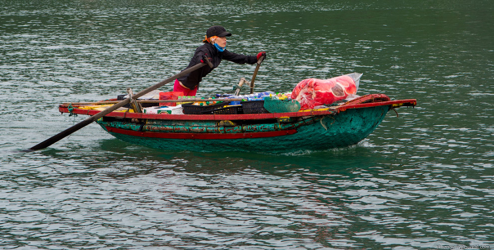 Бухта Халонг во Вьетнаме