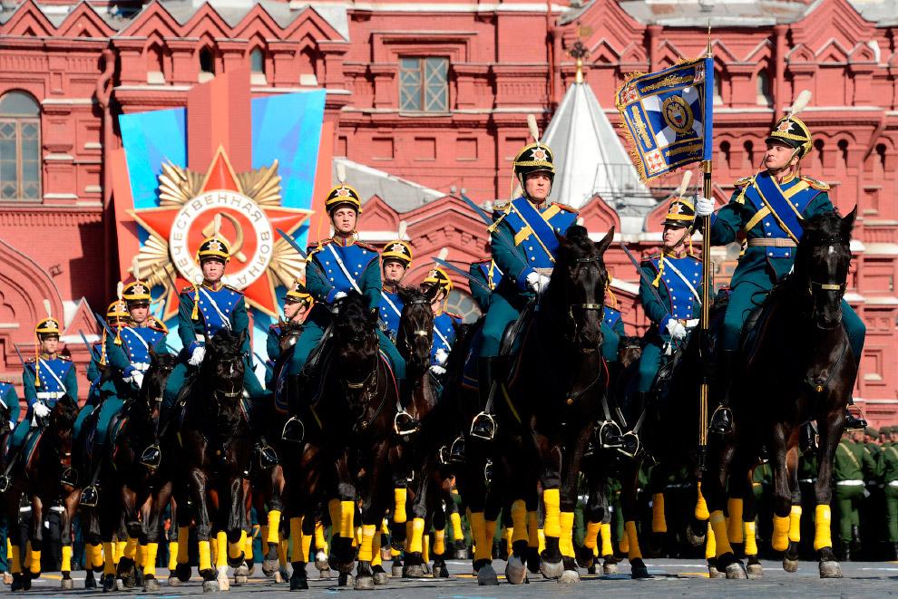 Кавалерийский почетный эскорт президентского полка