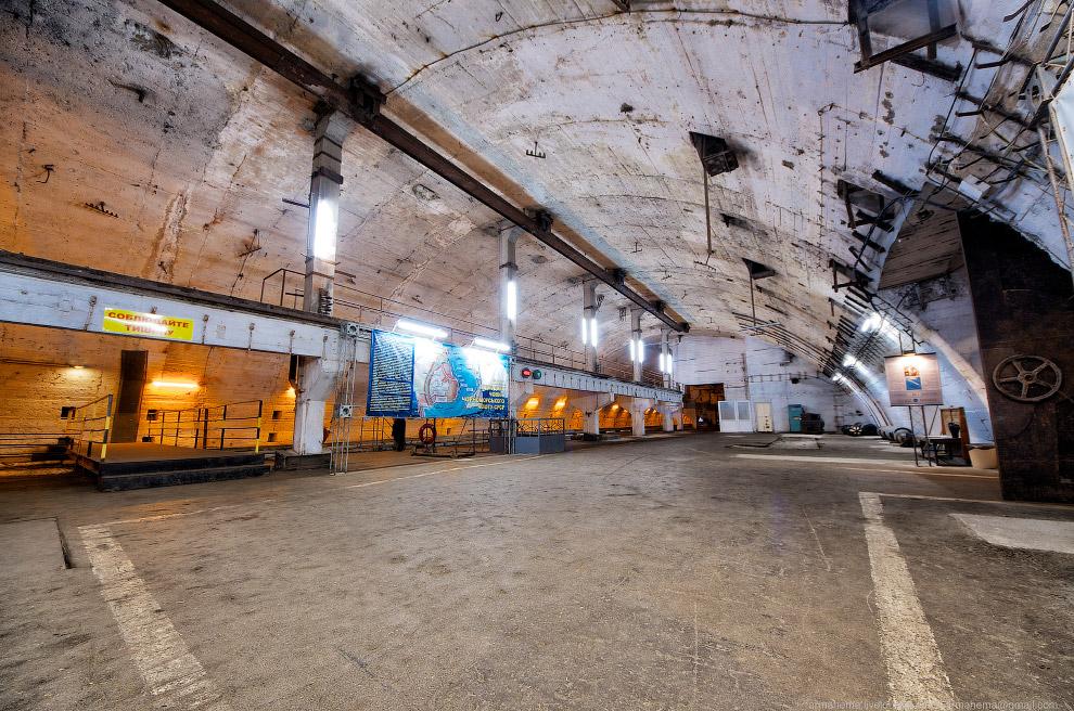 База подводных лодок в Крыму