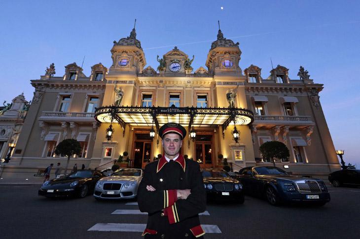 Правила посещения казино в Монте-Карло — ответ