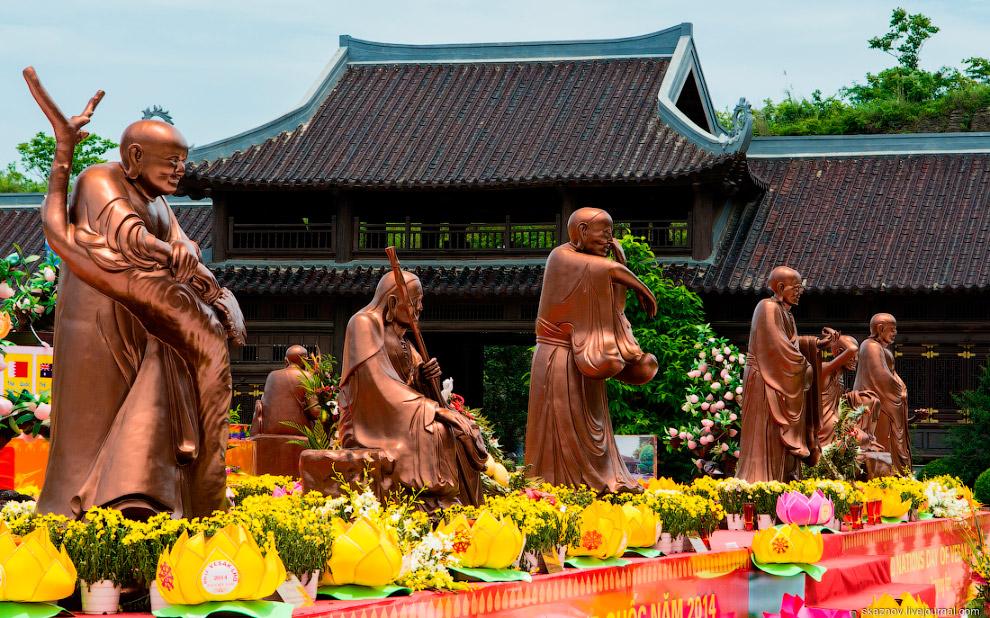 Крупнейший буддистский комплекс во Вьетнаме Bai Dinh