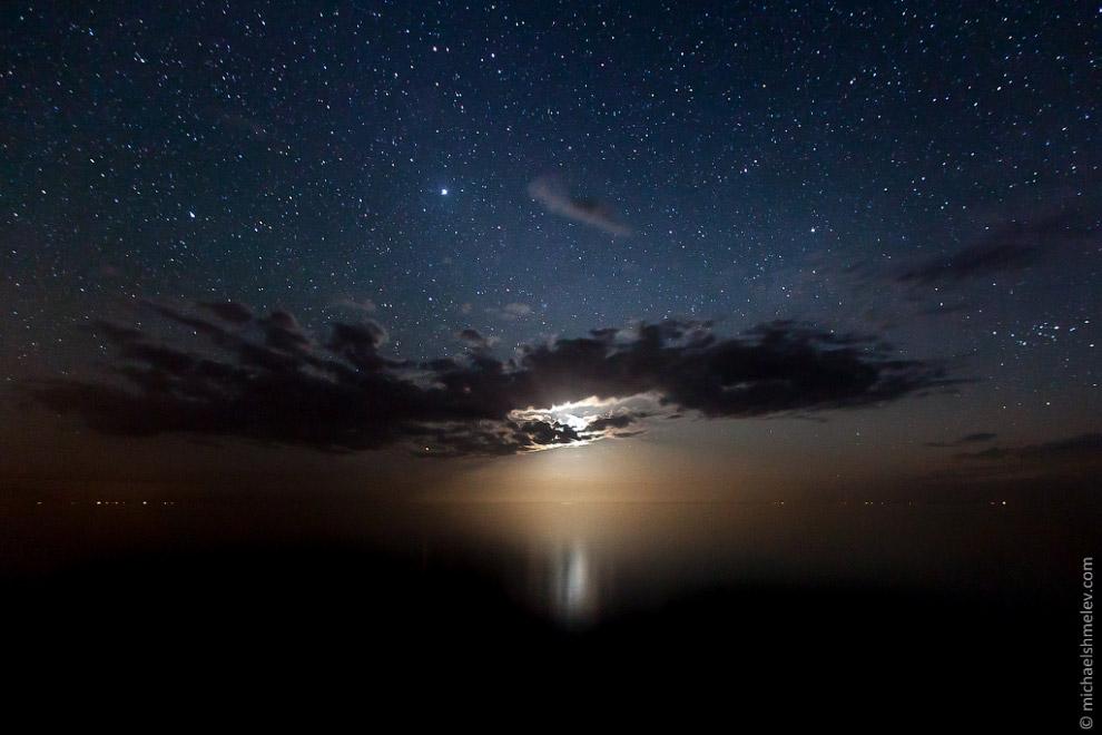 Ночь над озером Иссык-Куль