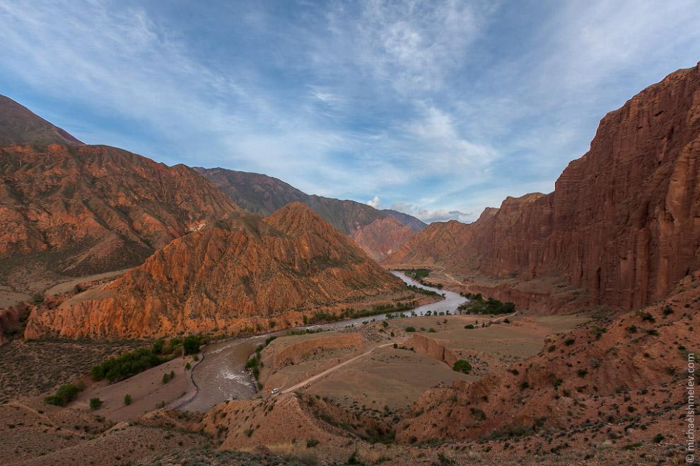Река Кокомерен в ущелье Кызыл Коргон
