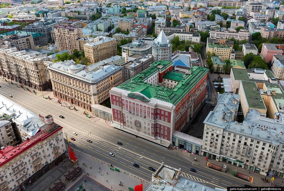 Мэрия Москвы в «реставрационных декорациях»