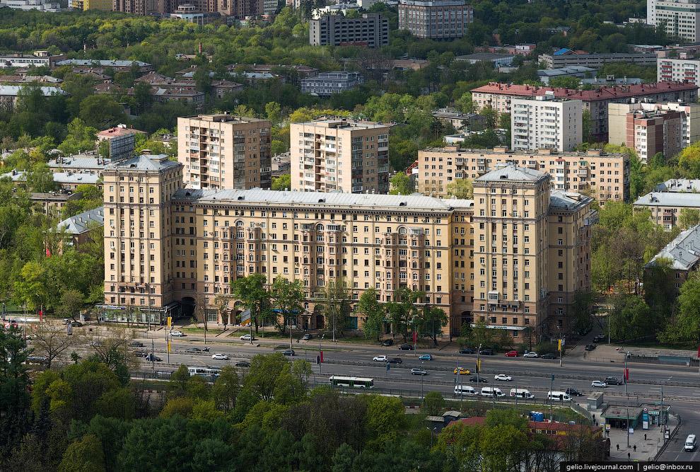 Жилой дом у станции метро «Войковская»