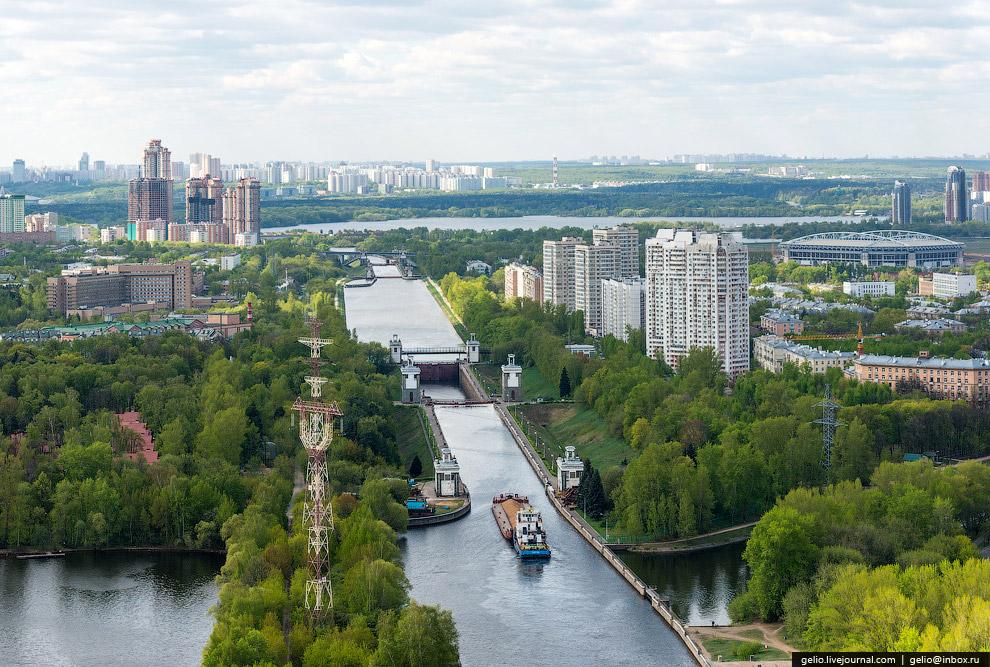 Судоходный шлюз на южном склоне Канала имени Москвы
