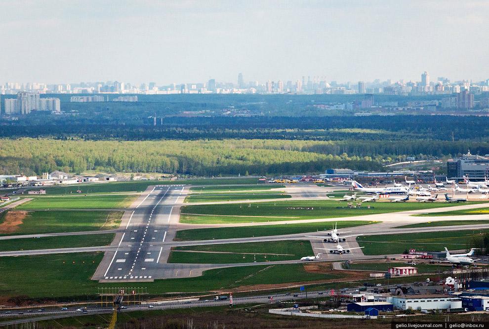 Аэропорт «Внуково». Взлётно-посадочная полоса 01/19.