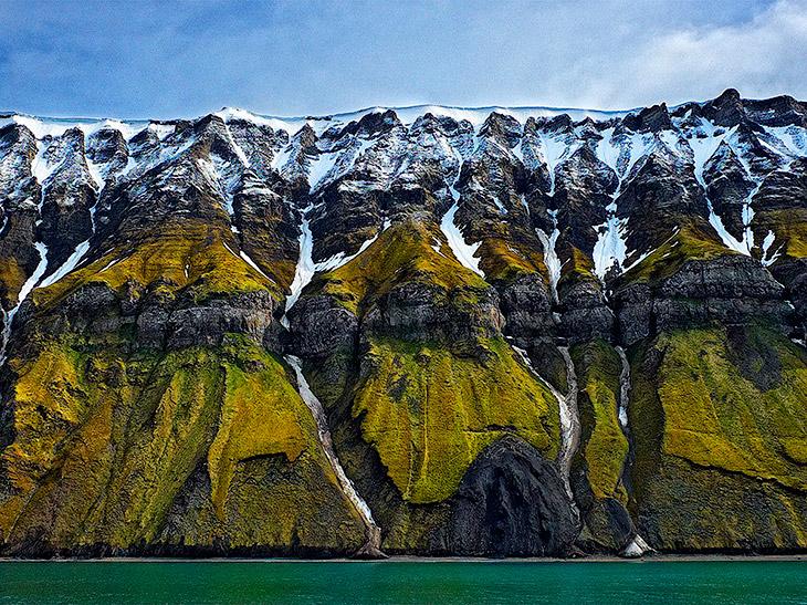 Скалы на Шпицбергене