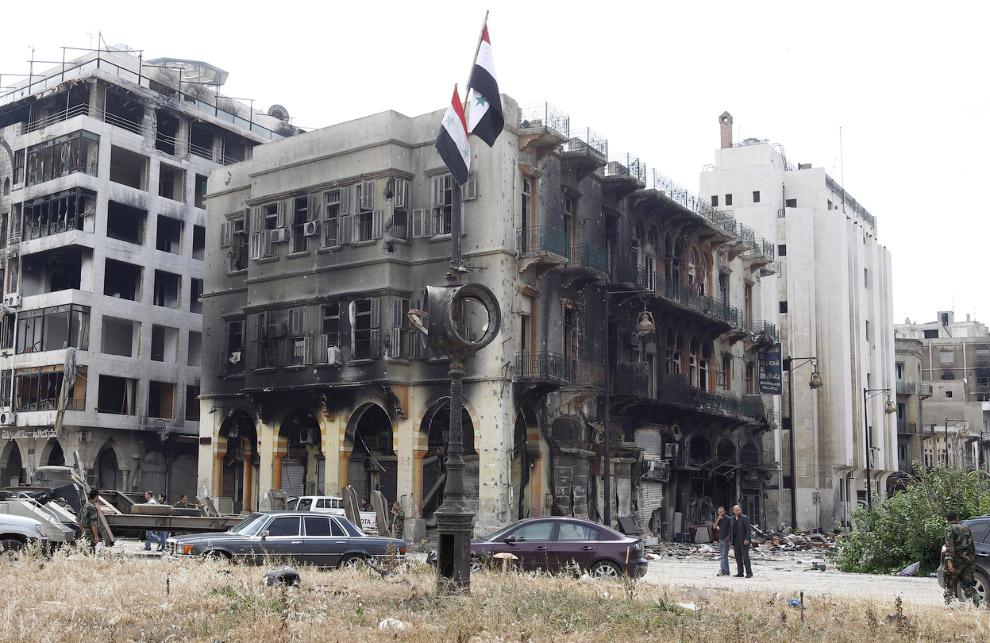Здании после обстрелов и пожаров