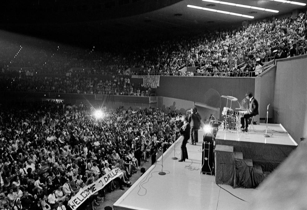 Во время второго тура Битлс в США