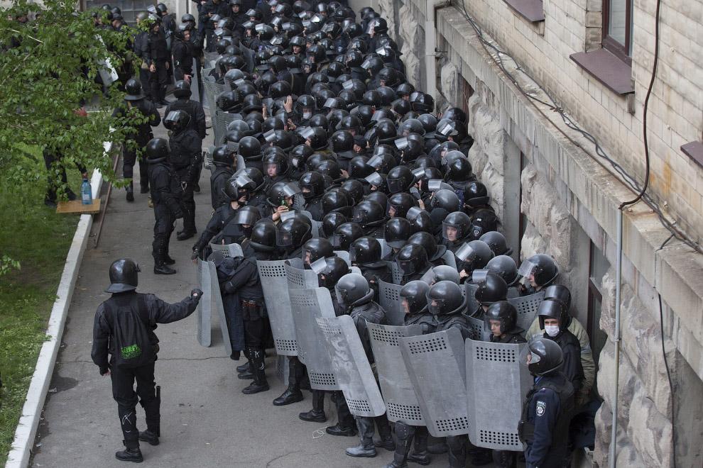 Милиция в центре Луганска