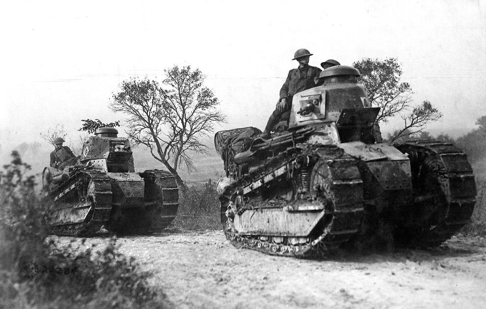Первый серийный лёгкий танк Рено FT-17