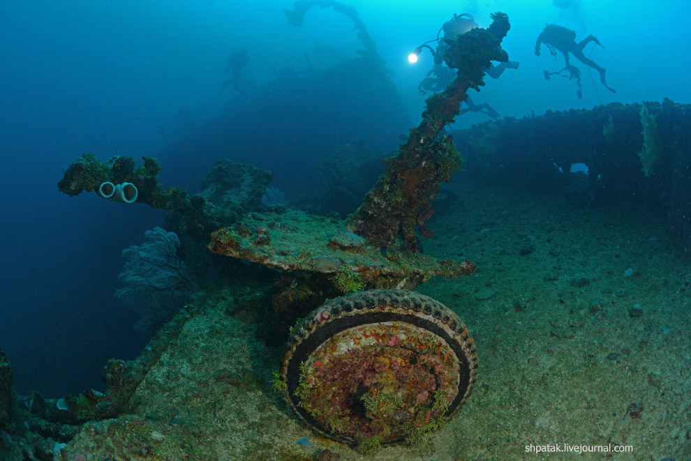 Противотанковые орудия на палубе «Nippo Maru»