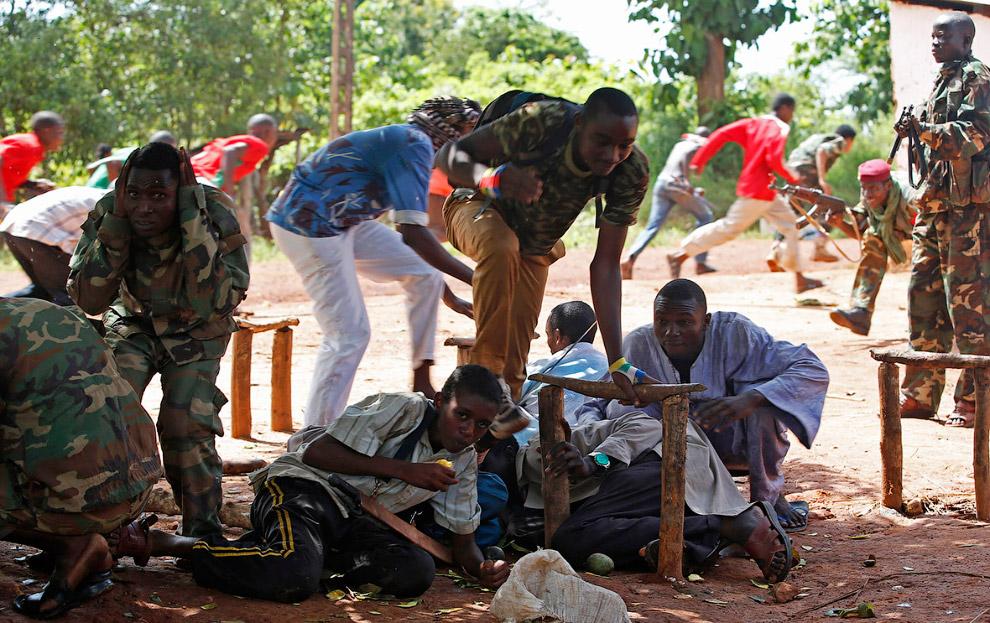 Началась перестрелка между французскими миротворцами и боевиками