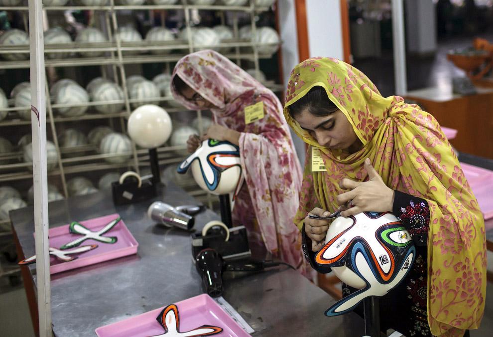 Изготовление официальных мячей Чемпионата в провинции Пенджаб