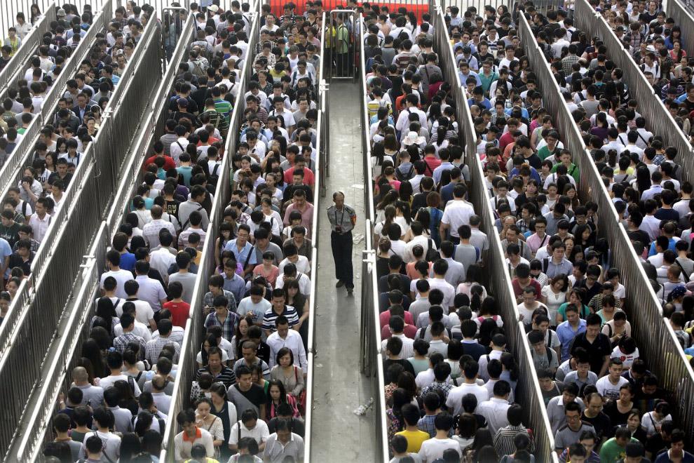 Час пик на вокзале в Пекине