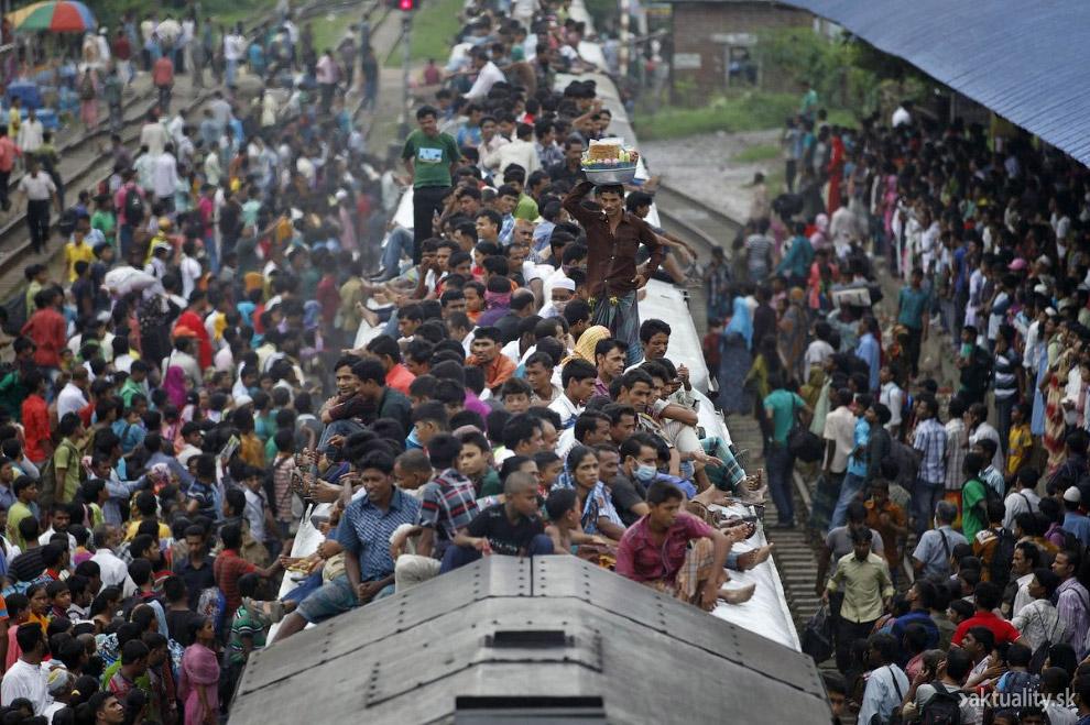 Поезд на окраине Дакки, Бангладеш