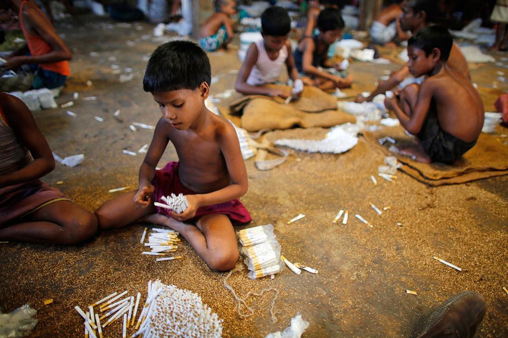 Табачная фабрика в Бангладеше