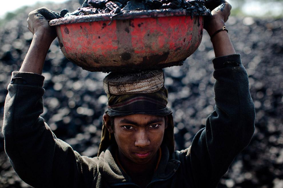 12-летний работник угольной шахты