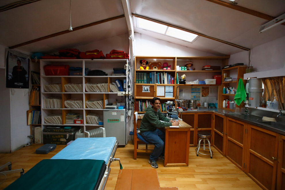 А вот и пример помощи — госпиталь Кунде, основанный в 1966 году сэром Эдмундом Хиллари