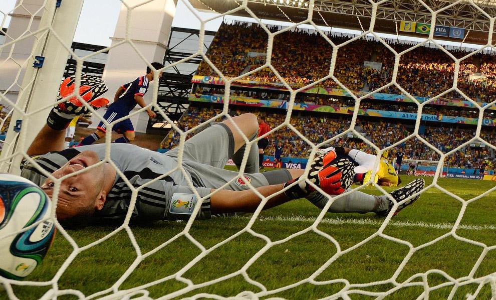 Вратарь Колумбии получил гол в ворота от японцев