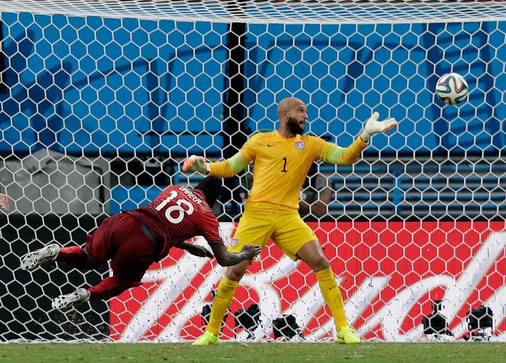 Португалия забивает гол сборной США