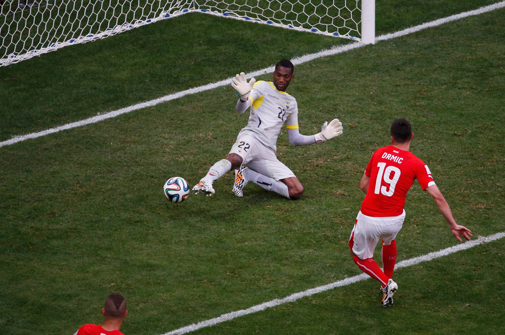 Швейцария забивает Эквадору