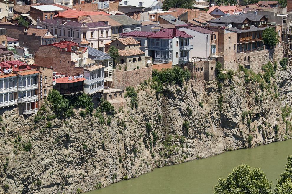 Старый Тбилиси. Дома над Курой