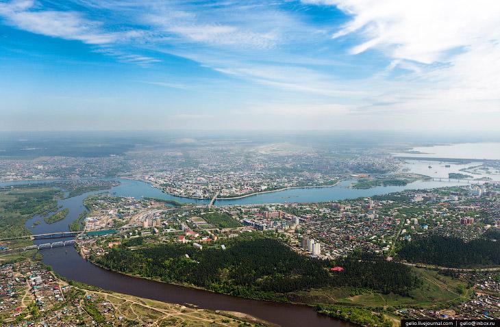 Место впадения реки Иркут в Ангару. Отсюда и сложилось название города