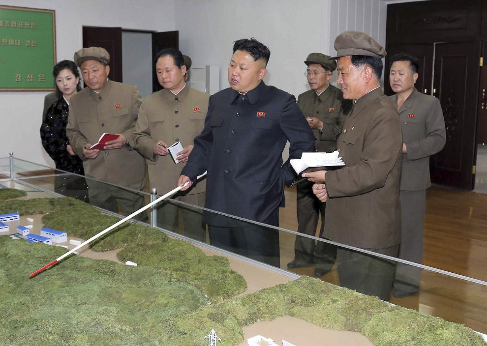 Ким Чен Ун определяет задачи и методы модернизации машиностроительного завода