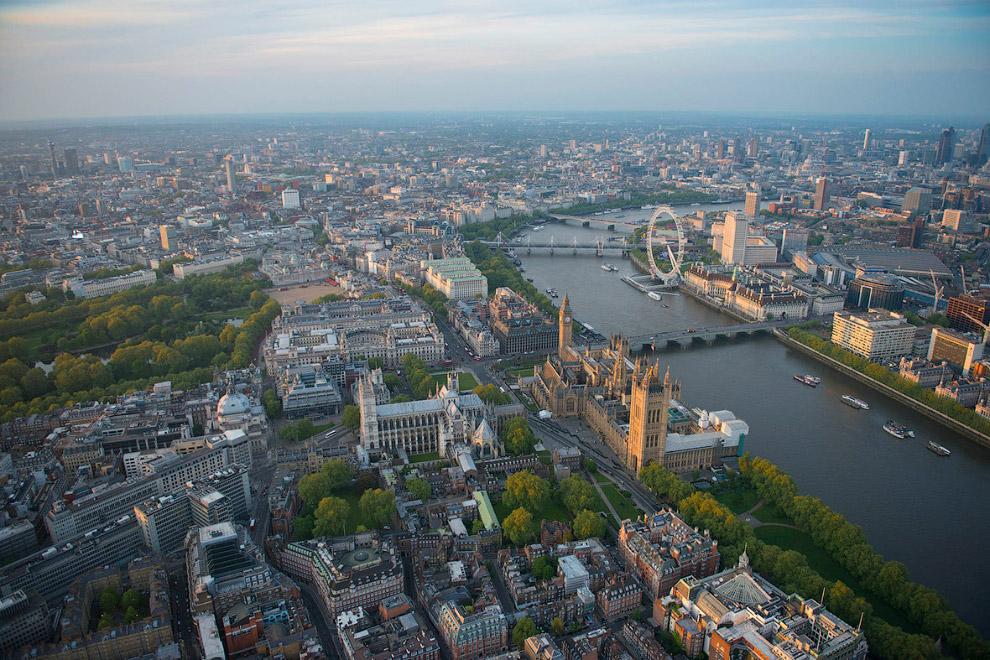 Вестминстерское аббатство, Темза и колесо обозрения Лондонский глаз