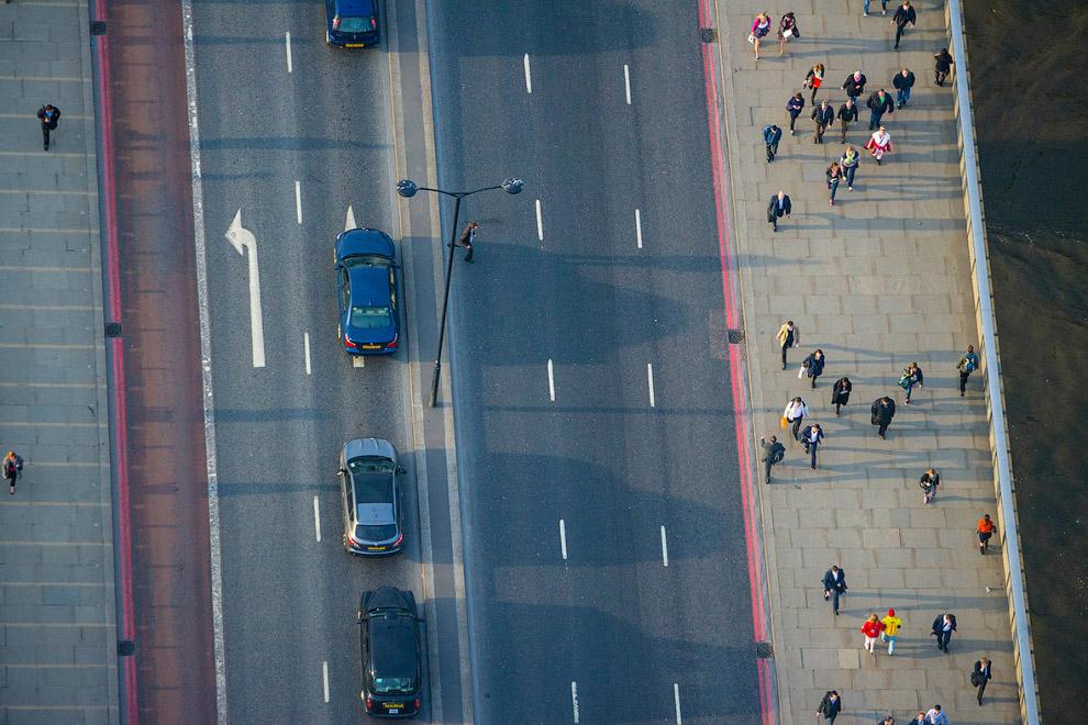 Пешеходы на Лондонском мосту