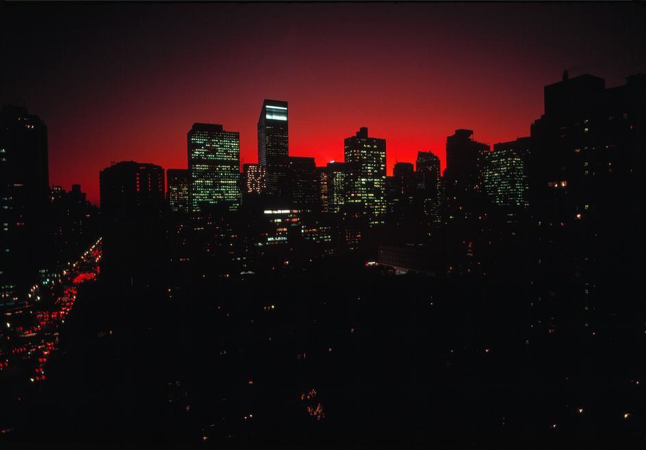 Вид на средний Манхеттен на закате
