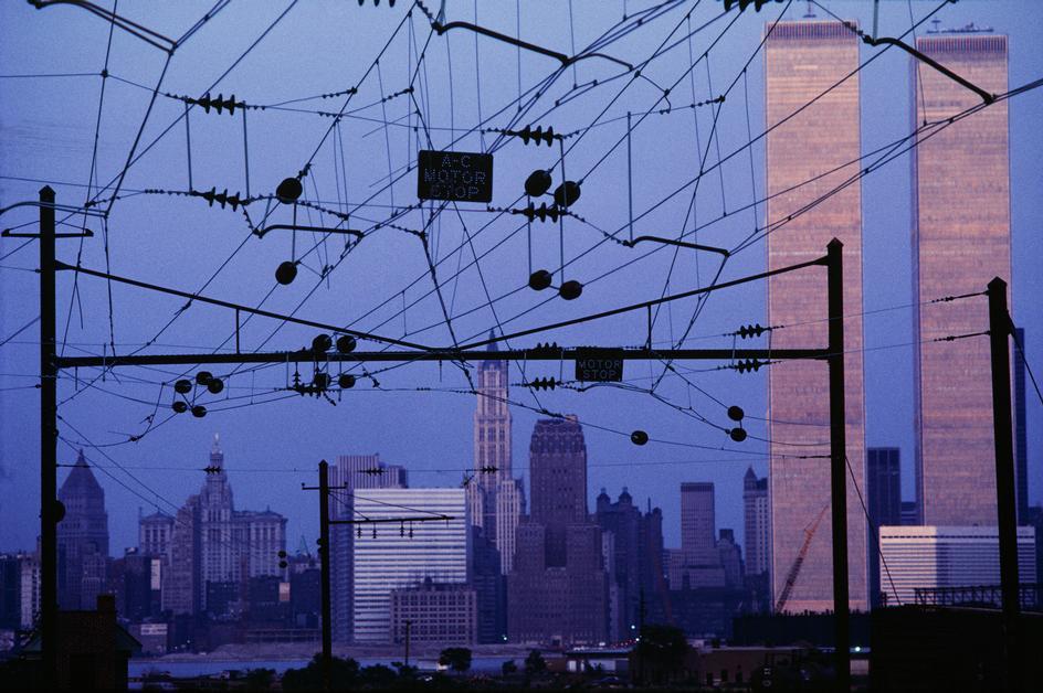 Башни ВТЦ со стороны железной дороги в Нью-Джерси