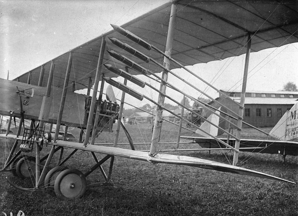 Самолет с ракетами времен Первой мировой
