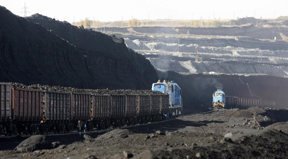 Поезда с углем на разрез Бородинский под Красноярском