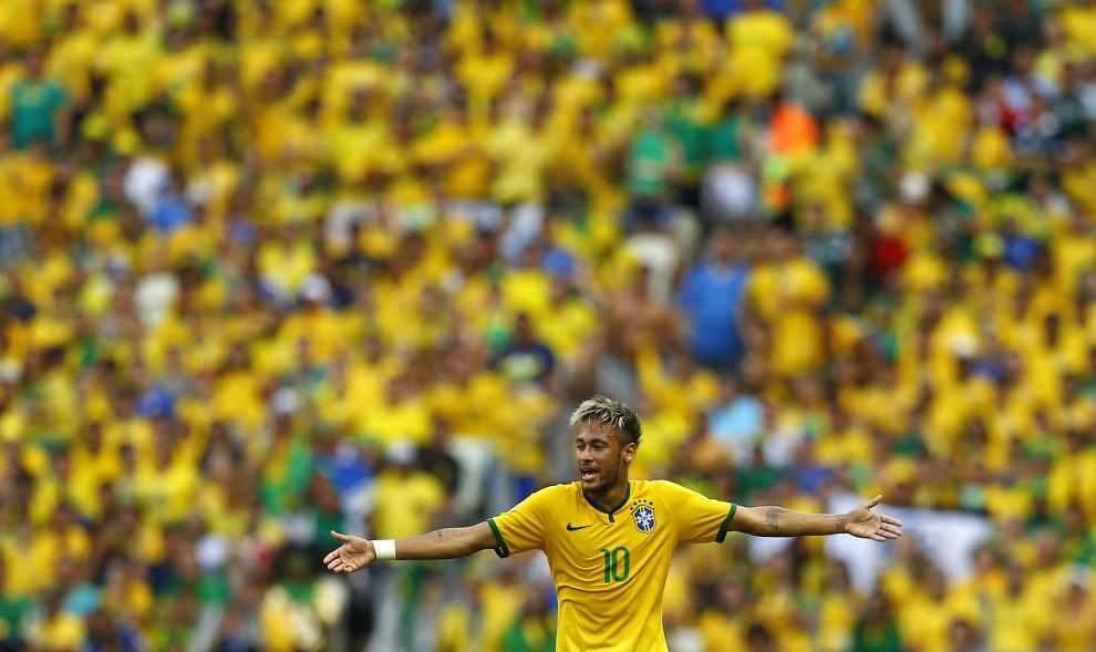 Нападающий сборной команды Бразилии Неймар