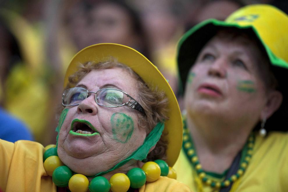 Возрастные болельщики из Бразилии