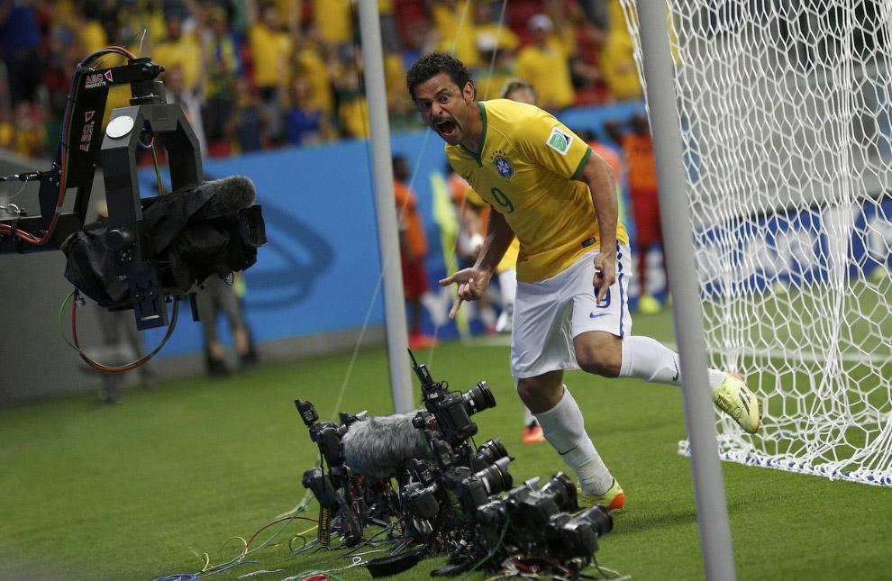 Нападающий сборной Бразилии, известный как просто Фред
