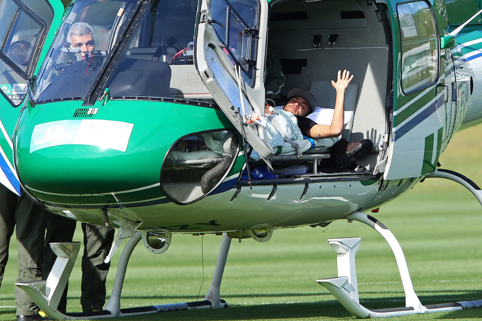 Неймар получил травму спины и выбыл с Чемпионата мира