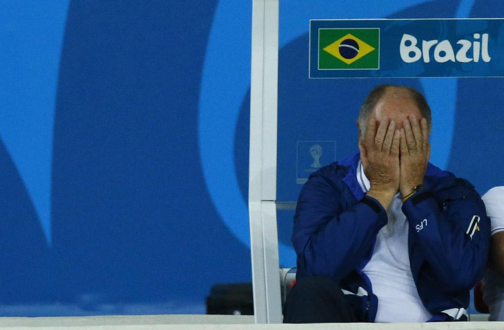 Тренер Бразилии Луис Фелипе Сколари во время матча с Германией