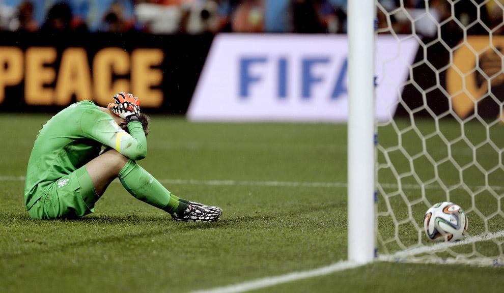 Вратарь сборной Нидерландов пропустил гол от Аргентины в серии пенальти