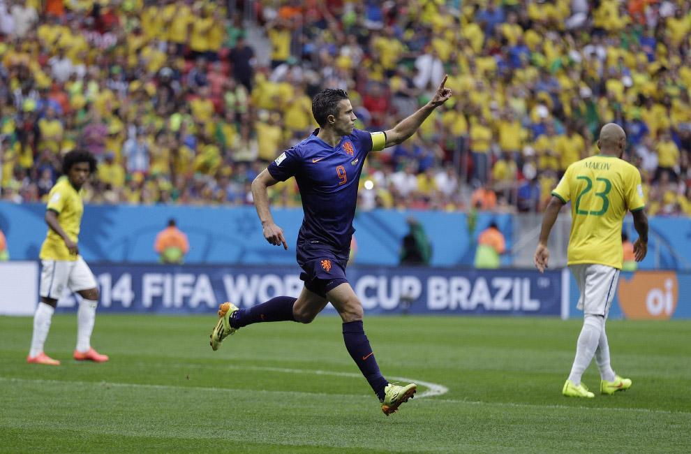 Но на этом беды сборной Бразилии не закончились, и в матче за 3-е место их разгромила другая европейская сборная со счетом 3:0 — сборная Голландии